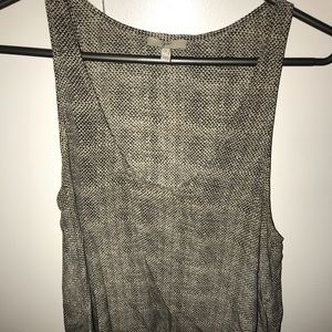 Black and white joie tank